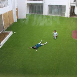 中庭人工芝完成披露会・開園記念昼食会